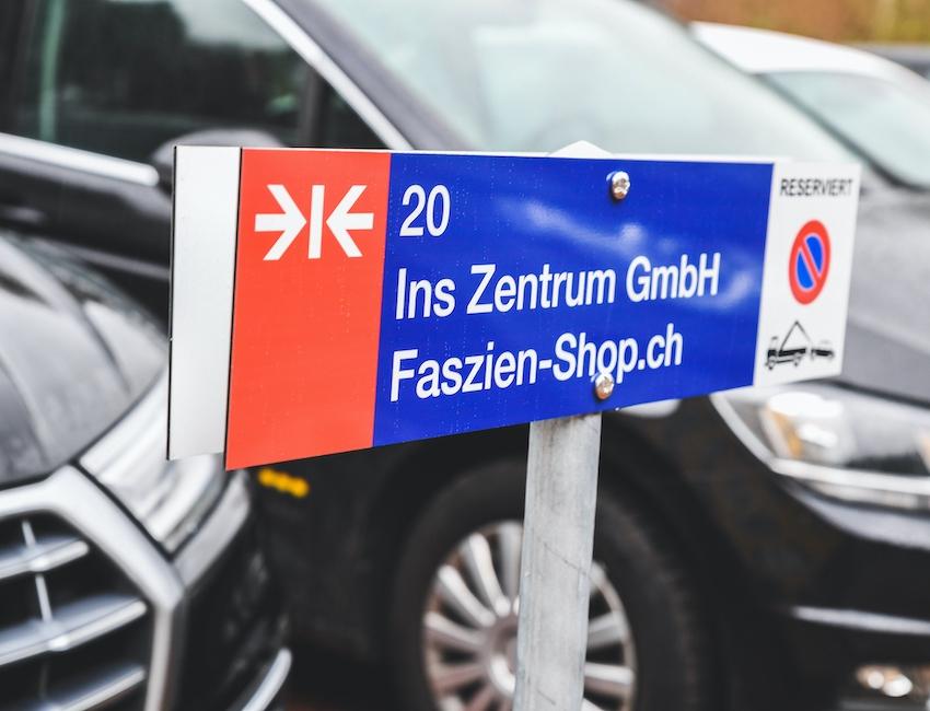 Für die Anfahrt mit dem PKW: Parkplatz der Ins Zentrum GmbH (Nr. 19 & 20)